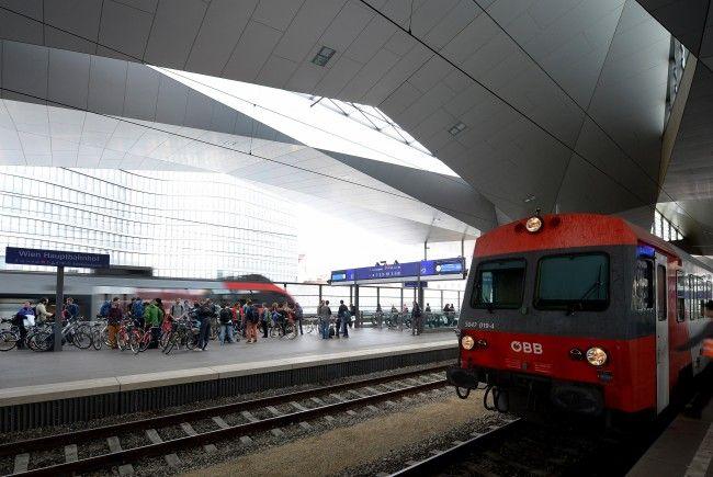 Der verdächtige Russe wurde am Wiener Hauptbahnhof von Polizisten erkannt.
