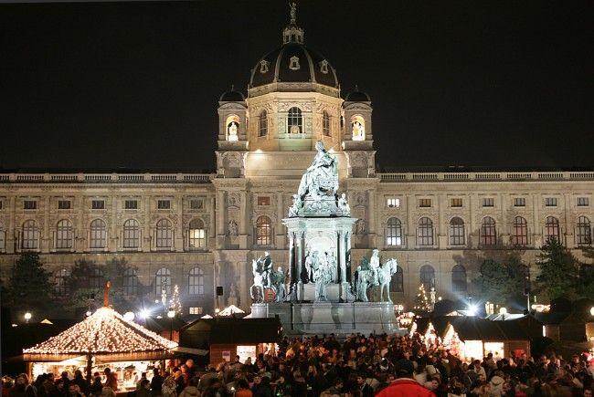 Der Christkindlmarkt am Wiener Maria-Theresien-Platz.