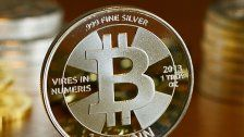 Bitcoin stieg nach erstem Terminkontrakt an Börse