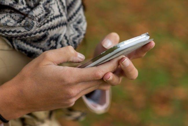 """Android-Trojaner """"Loapi"""" zerstört Handy."""