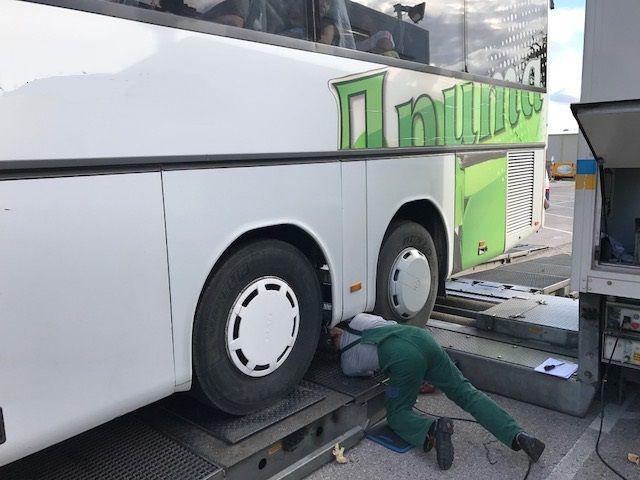 Auf der A4 wurden desolate Reisebusse gestoppt