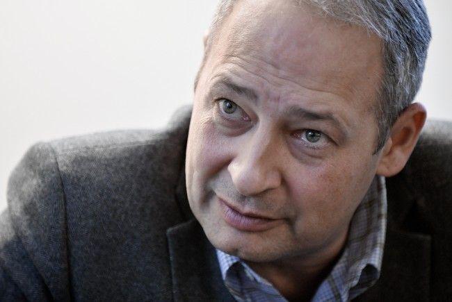 """SPÖ-Klubobmann Schieder drängt auf eine frühere Umsetzung der """"Homo-Ehe""""."""