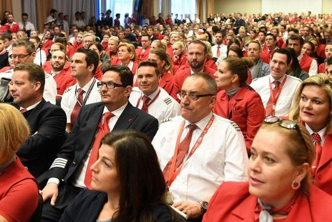 Der Betriebsrat will die Mitarbeiter über den neuen Kollektivvertrag informieren.