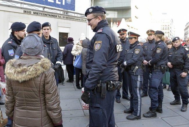 Die Polizei zeichnet auf, was am Wiener Silvesterpfad geschieht