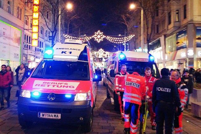 Rettungseinsatz auf der Wiener Mariahilfer Straße.