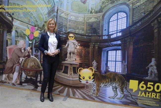 """Die Generaldirektorin der Österreichischen Nationalbibliothek Johanna Rachinger während der Pressekonferenz zum Thema """"650 Jahre Österreichische Nationalbibliothek"""""""