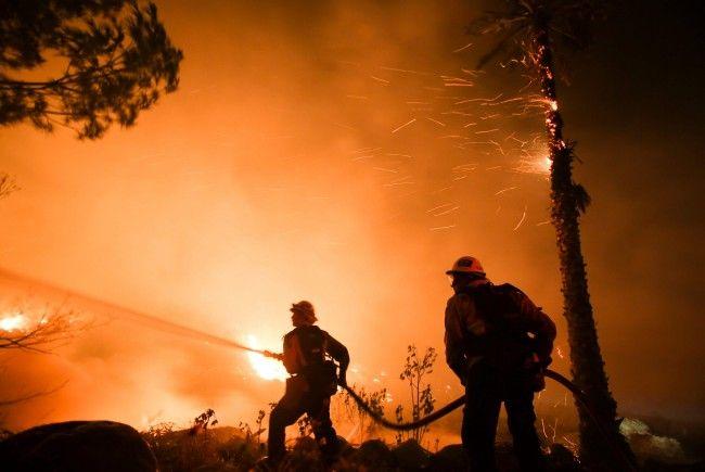 Schwere Waldbrände in Kalifornien – Zehntausende flüchten