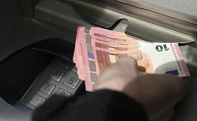 Eine neue Manipulation von Bankomaten, ermöglicht es den Tätern, an das gesamte Geld zu gelangen