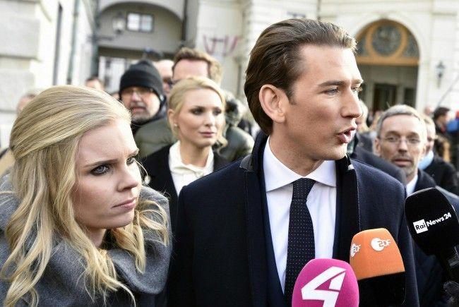 Nach Koalitionspakt: ÖVP-FPÖ-Spitzen bei österreichischem Präsidenten