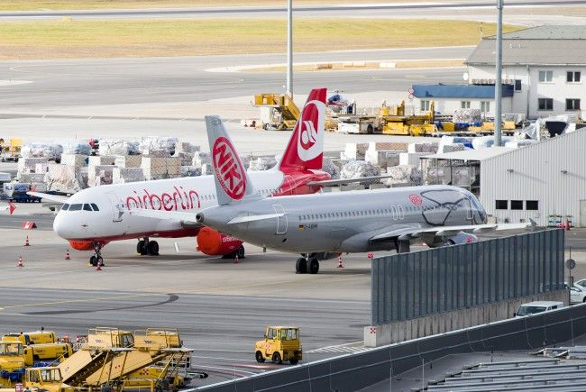 Zehntausende Reisende warten auf Ersatzflüge nach der Niki-Insolvenz