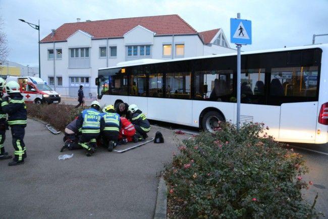 Bei einem Verkehrsunfall am Donnerstagmorgen wurde eine Frau schwer verletzt
