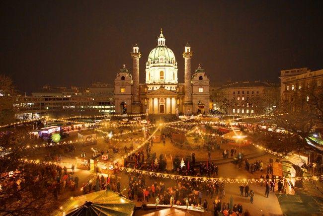 Der Weihnachtsmarkt am Karlsplatz wurde zum beliebtesten Christkindlmarkt in Wien gekürt