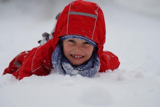 #snowfacechallenge: Einfach das Gesicht in den Schnee drücken.