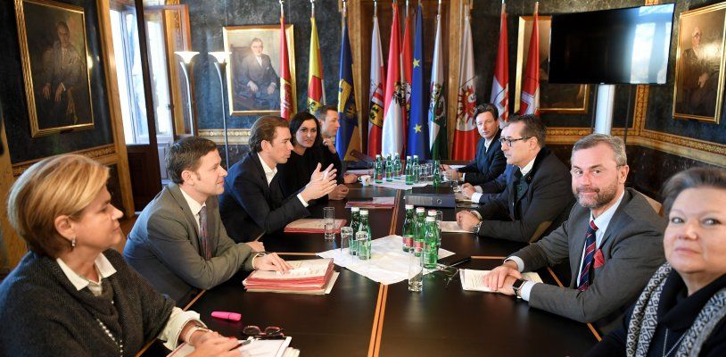 Nach finalen Koalitionsverhandlungen: Kurz und Strache geben Statements ab