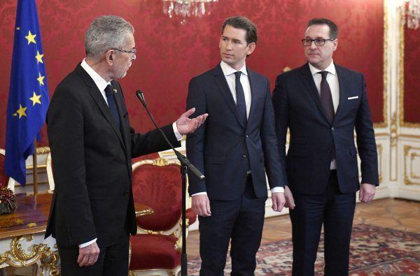 Koalition LIVE: ÖVP und FPÖ stellen Minister und Koalitionspakt vor