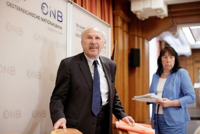 OeNB-Chef Ewald Nowotny und OeNB-Chefvolkswirtin Doris Ritzberger-Grünwald stellen Österreichs Wirtschaft ein gutes Zeugnis aus