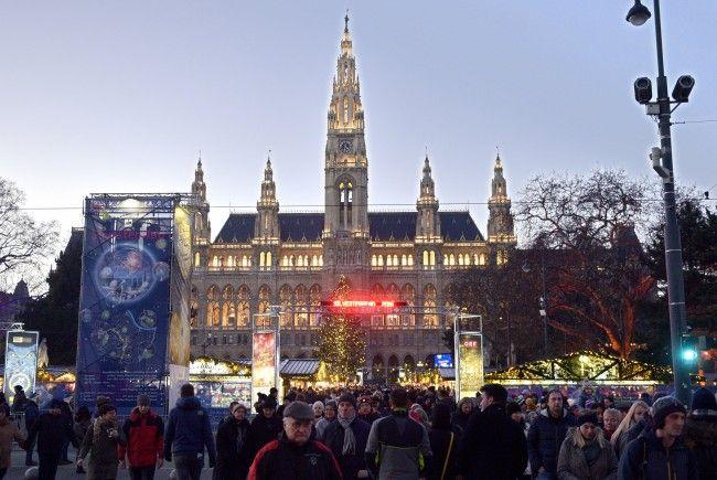 Alle wichtigen Infos zur An- und Abreise zum Wiener Silvesterpfad.