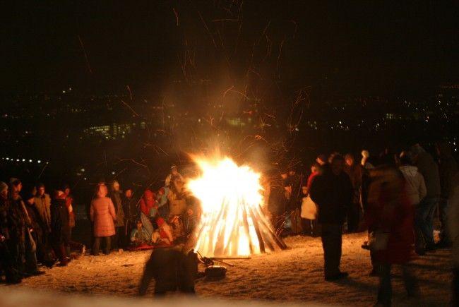 Am Wilhelminenberg brennt wieder das Weihnachtsfeuer