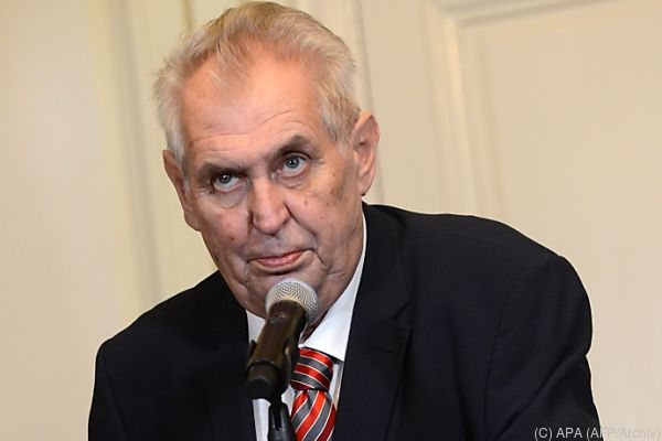 Umfragen zufolge gilt Amtsinhaber Milos Zeman als Favorit