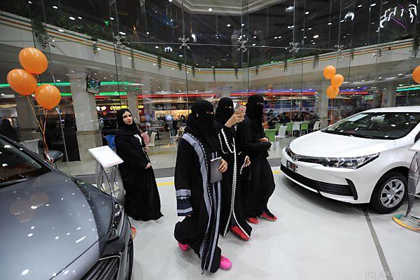 Automesse für Frauen in Jeddah
