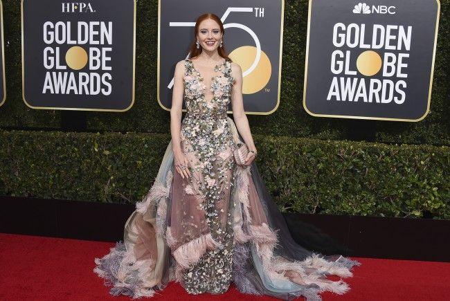 GNTM-Gewinnerin Barbara Meier kam in einem bunten Kleid zu den Golden Globes.