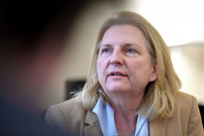 Karin Kneissl reist am Dienstag nach Rom.