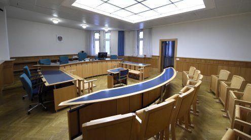 Zelle angezündet: Prozess wegen versuchten Mordes in Wien startet