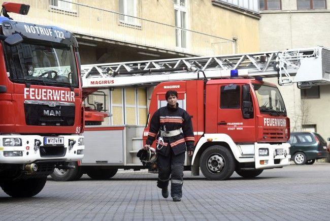 Die Feuerwehr musste drei Wohnungen in Wiener Neustadt aufgrund eines Gaslecks evakuieren