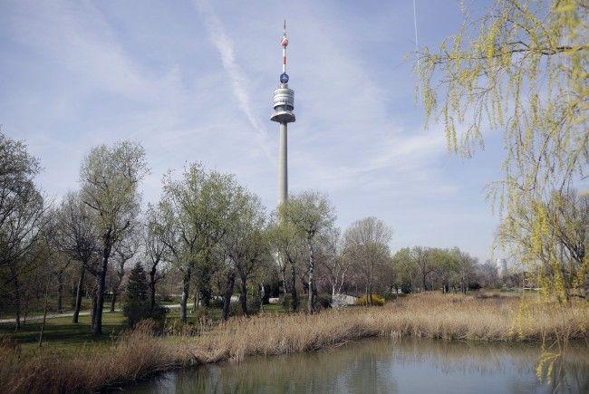 Der Wiener Donauturm soll ab Ostern in neuem Glanz erstrahlen.