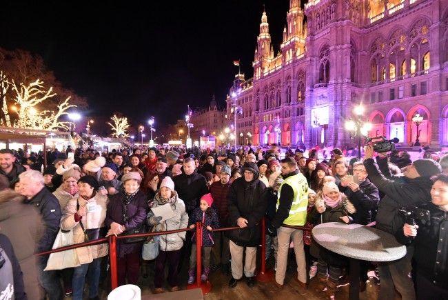 Am Freitag wurde die Eröffnung des Wiener Eistraums gefeiert.