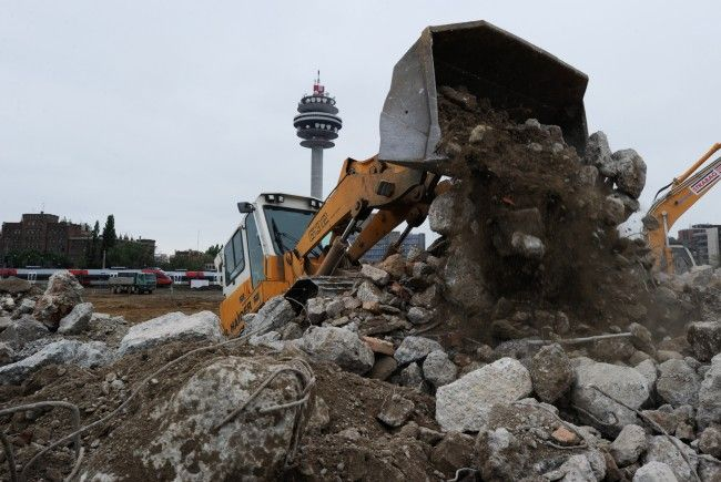 Die Granate wurde bei Baggerarbeiten entdeckt. (Symbolfoto)