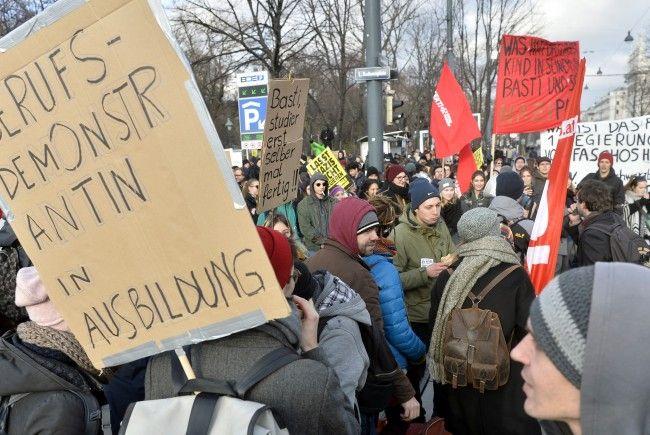 """Der """"Neujahrsempfang"""" für die neue Regierung dürfte am Samstagnachmittag Teile der Wiener Innenstadt lahmlegen."""