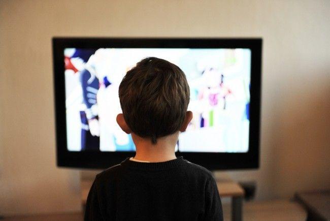 Wann und warum hingen die Österreicher im letzten Jahr vor der Glotze? Die Fernsehquoten für 2017 verraten es.