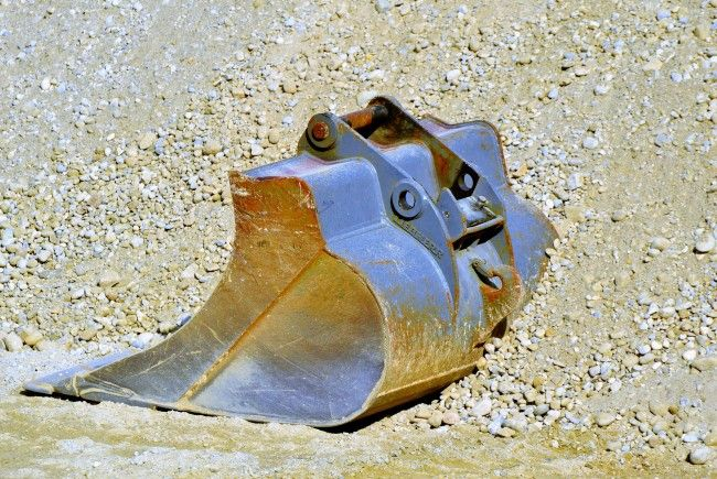 Die Fliegerbombe wurde bei gezielten Grabungsarbeiten nach Kriegsdelikten gefunden.