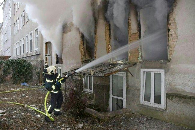 Das Haus in der Hernalser Hauptstraße erlitt bei der Gasexplosion schwere Schäden.