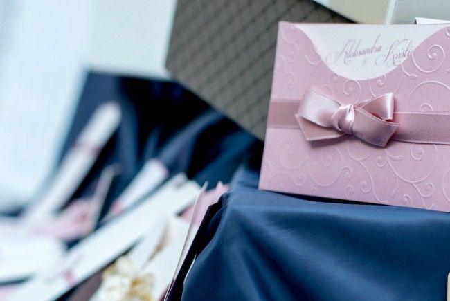 Tipps und Tricks für Ihre Hochzeitseinladungen.