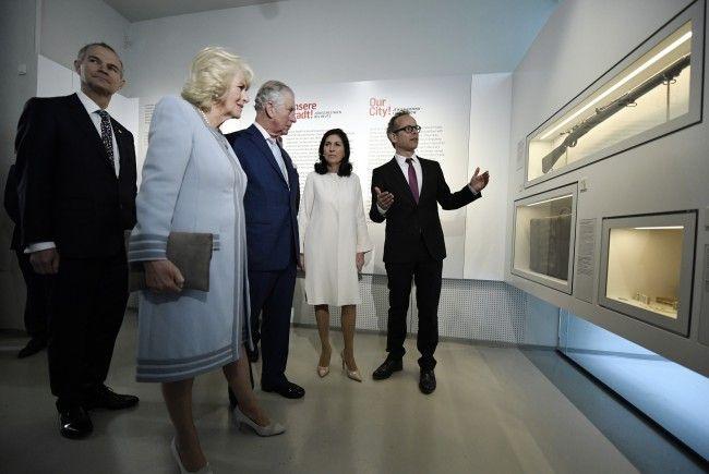 Die wohl bekanntesten Besucher des Jüdischen Museums im letzten Jahr: Prinz Charles mit Camilla.