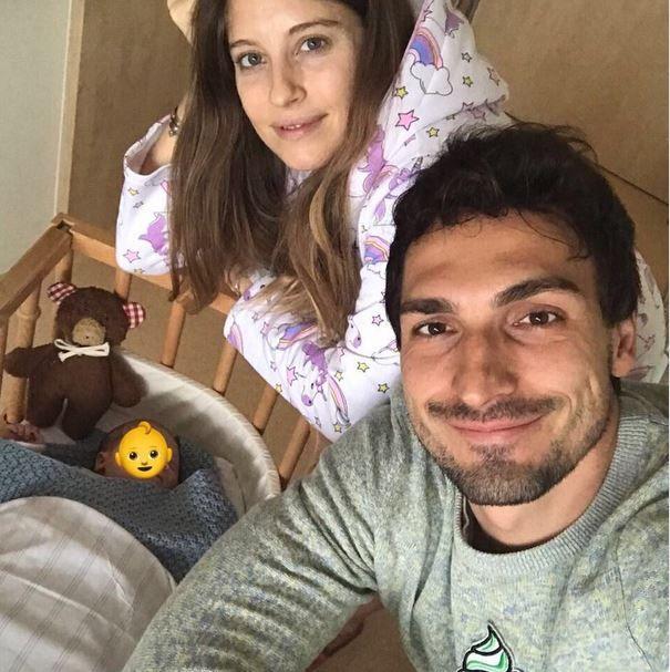Mats Hummels ist heute Vater eines Sohnes geworden.