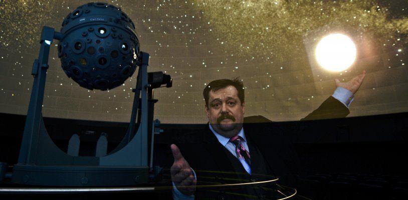 Star-Physiker Werner Gruber führt am Mittwoch durch Planetarium Wien-Schau