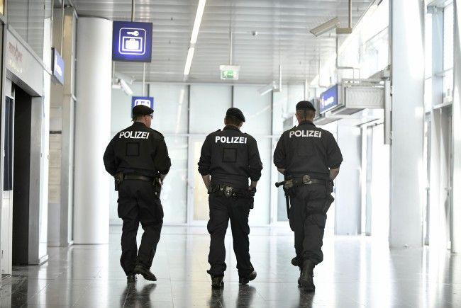 Am Wiener Praterstern wurden Polizisten bei einer Identitätskontrolle angegriffen.