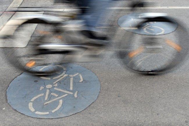 Die Kunstaktion der Radfahrer sorgte für Aufregung.