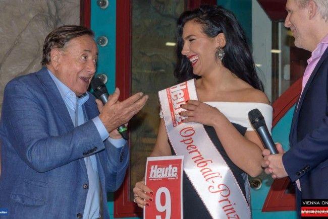 Tijana hat die Wahl zur Opernballprinzessin 2018 gewonnen.