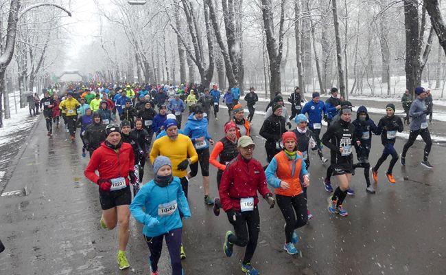 Rund 700 Teilnehmer starteten im Prater ins neue Laufjahr.