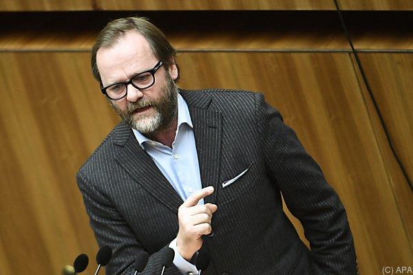 Sepp Schellhorn von den NEOS hält nichts von dem Abkommen