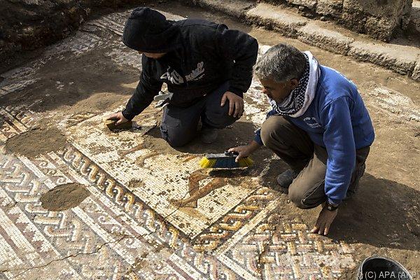 Mosaik stammt aus zweitem oder drittem Jahrhundert