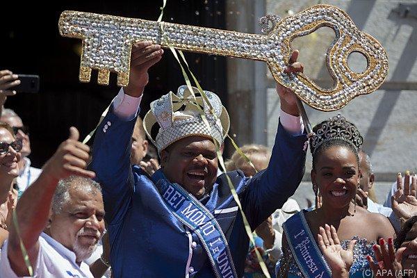 König Momo mit dem Schlüssel zur Stadt