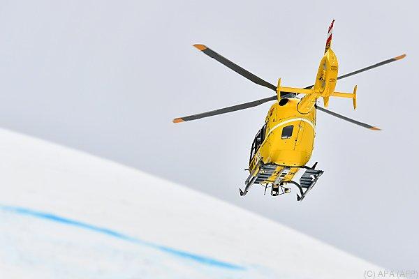 Ein Hubschrauber barg die zwei Verletzten