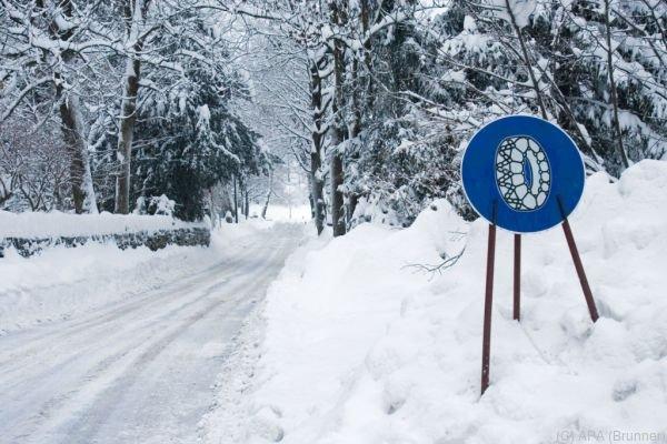 Winterliche Fahrverhältnisse in weiten Teilen Westösterreichs