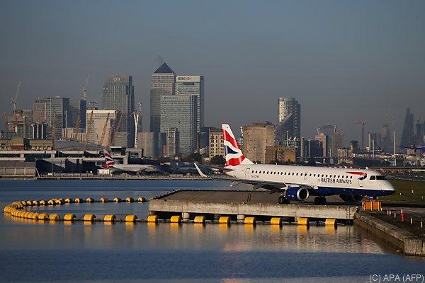 Etwa 16.000 Passagiere von Sperrung des City Airports betroffen