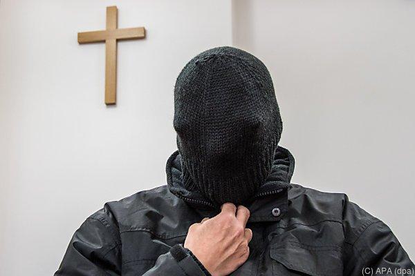 Ex-Priester wird in Psychiatrie untergebracht